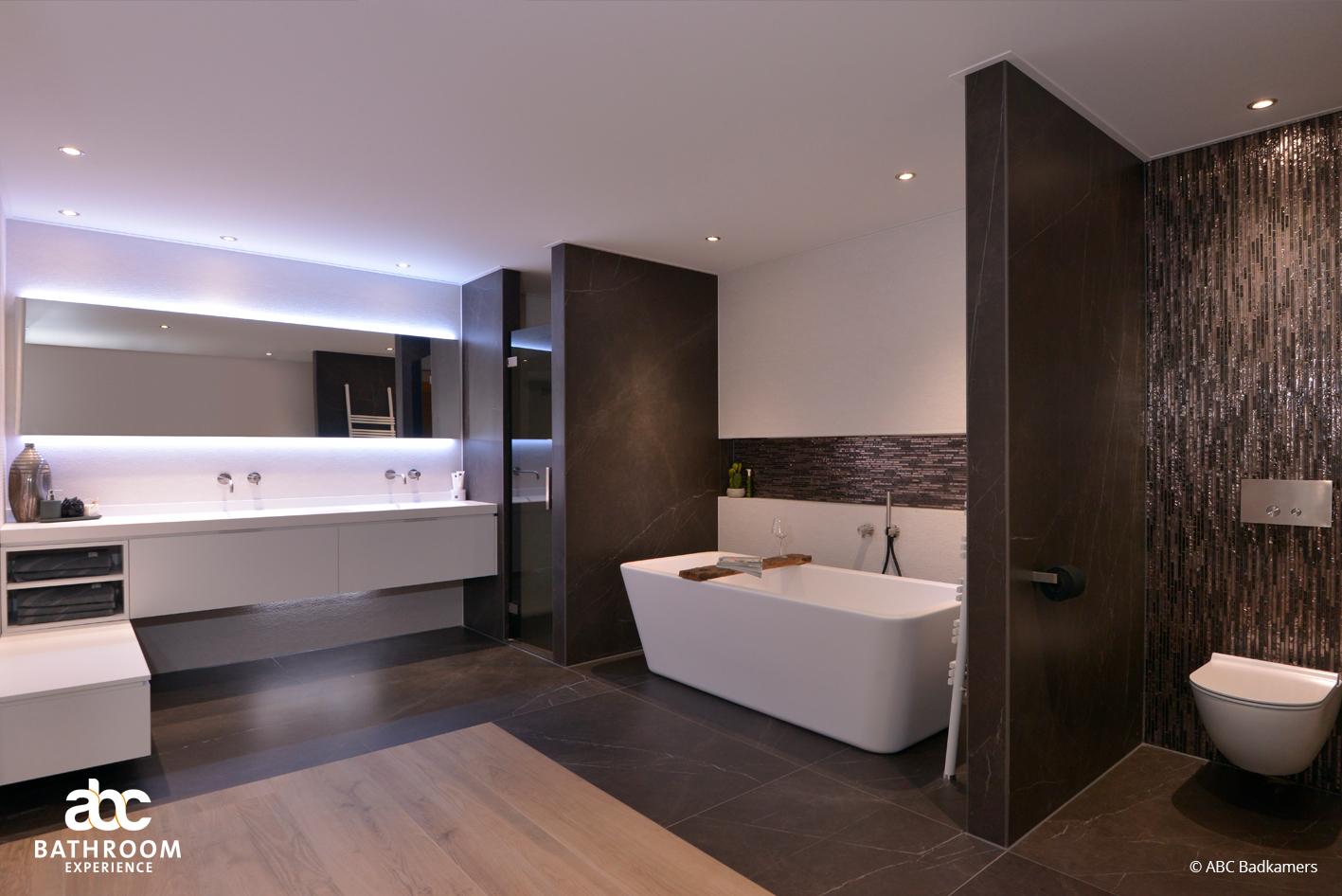 Luxe Badkamer Interieur : Een luxe design badkamer